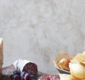 Enkelt og sunt og med ekte Parmesan  - Parmigiano Reggiano – Parmaskinke, Torte Fritta og frukt.   FOTO:  Skovdal.dk/ Stine Christiansen
