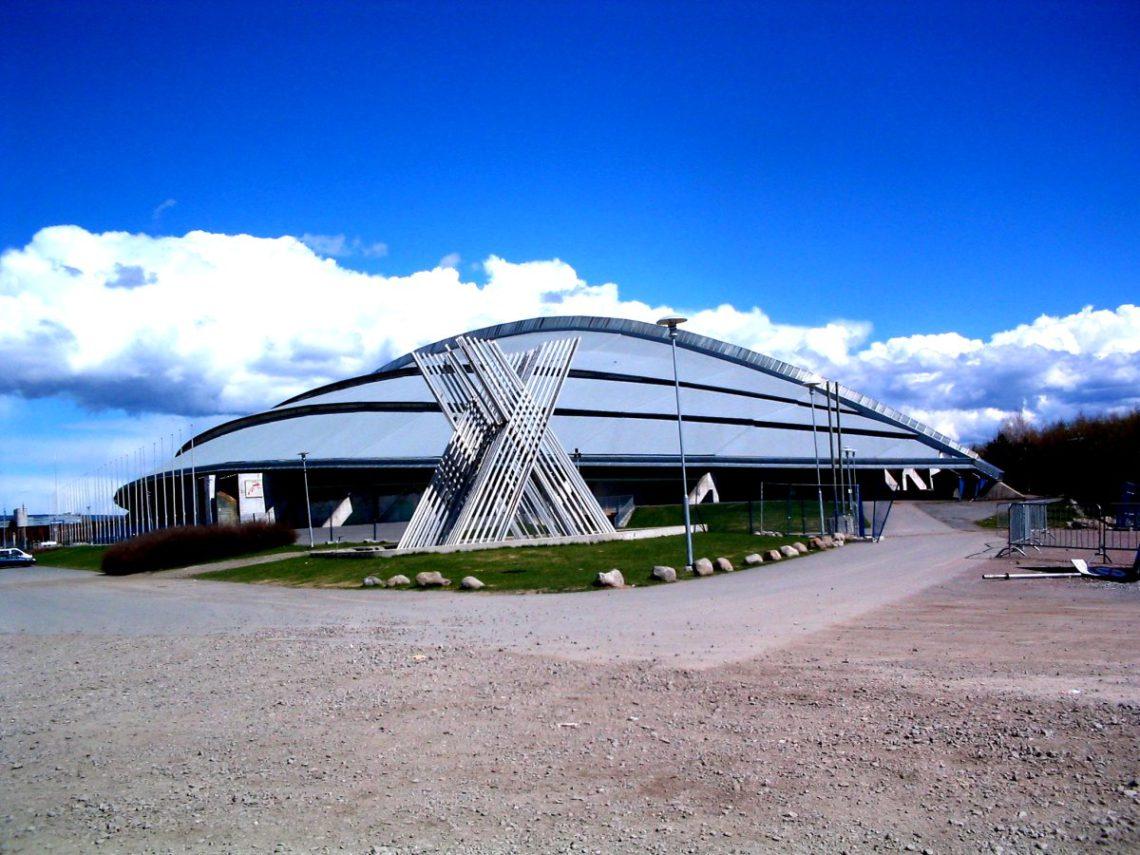 Vikingskipet-Hamar FOTO: Torstein Frogner Wikimedia Commons