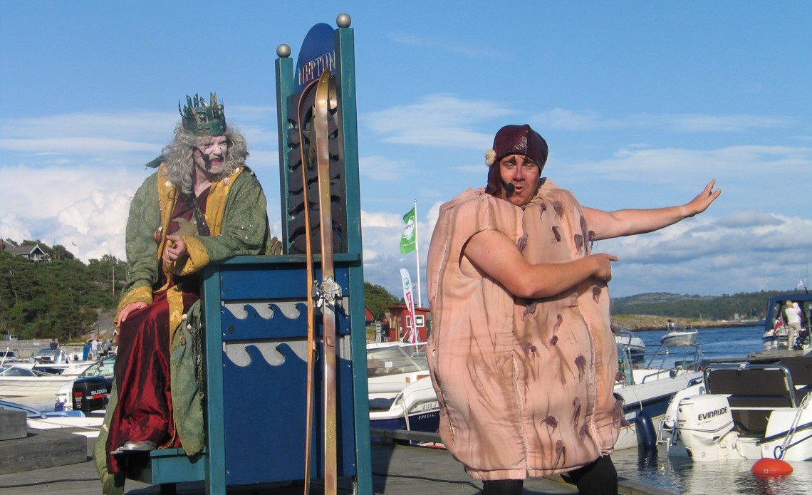 Kong Neptun og Kråkebolla Knut – to som går i bresjen mot forsøpling av havet. Foto: Harald Bråthen
