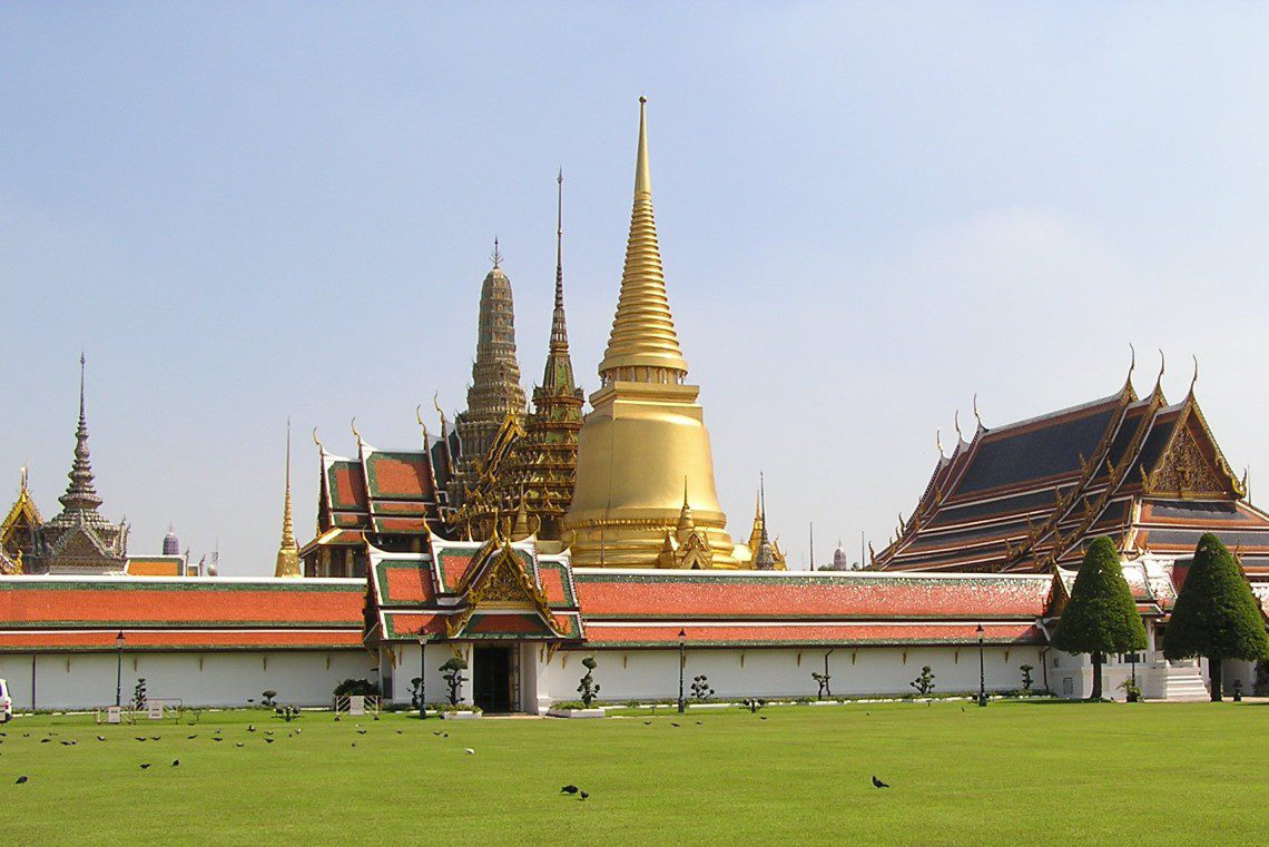 """""""Grand Palace Bangkok"""" by D.Alyoshin - Own work. Licensed under CC BY-SA 3.0 via Commons - https://commons.wikimedia.org/wiki/"""