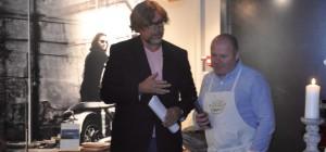 Lars Eikanger i samtale med Tom som fortalte om den ekte Parma skinken.