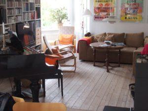Et glimt fra stuen i villaen som Henning Andersen leide i København
