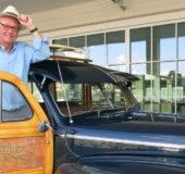 BILDILLA:Stig kjøpte denne Ford Woodien før hotellet sto ferdig.