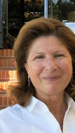 Marianne Estene-Chauvin er tredje generasjon eier på hotell Belles Rives.