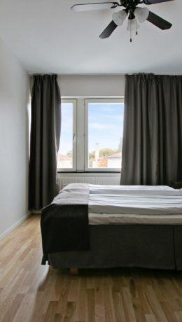 SOV SØTT:Rommene er stilige i skandinavisk design.