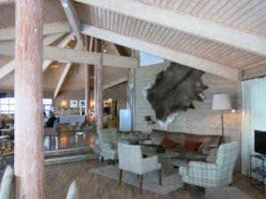 KOSELIG:Stuene er flotte og innbyr til en kosestund.