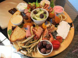 MEZE: kypriotisk tapas smaker nydelig.