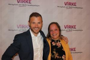 Sverre Mc McSeveny-Åril i Virke Reise Utland, skal som seg hør og bør til utlandet i sommerferien, mens Line Endresen Normann, direktør for Virke Reise Norge, satser på hytta i Rogaland.