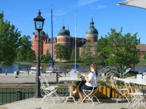 KONGELIG UTSIKT:Frokost med utsikt til Gripsholm slott er ikke feil.