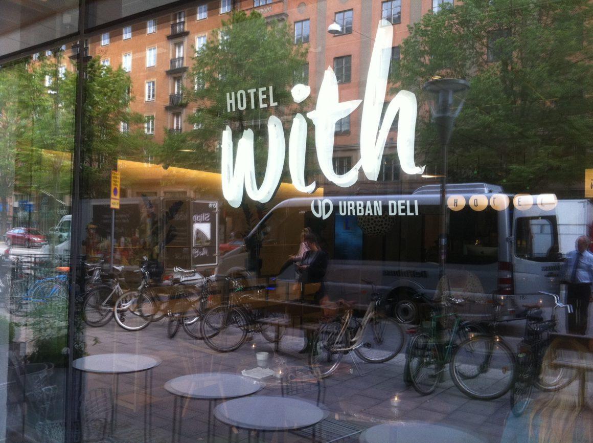 Hotell - midt på Sveavägen i Stockholm.