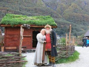 VIKINGER:Høvding Georg med kone i Vikinglandsbyen.