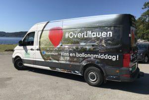 Litauen-bilen er på farten mange steder i Norge i juli og august. Vinn et gavekort til en tur med luftballong og middag. Ta et bilde av bilen eller noe annet du forbinder med Litauen.