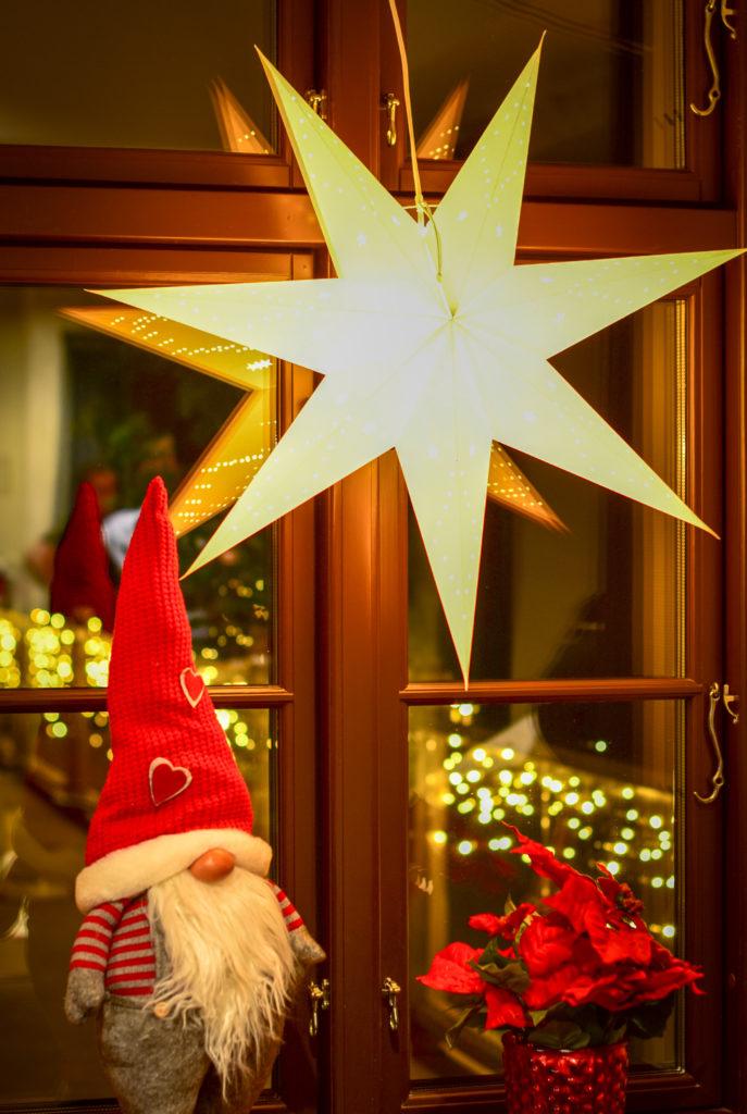 Julenisse, lys og varme fra Europris - Hele Norges Julebutikk.
